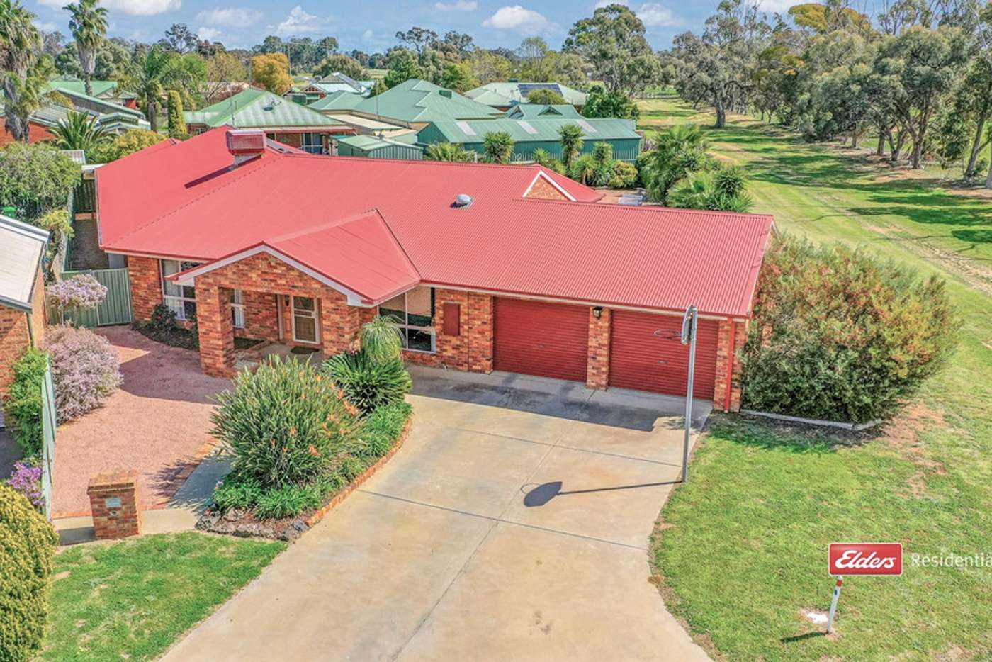 Main view of Homely house listing, 2 Kooyong Court, Echuca VIC 3564