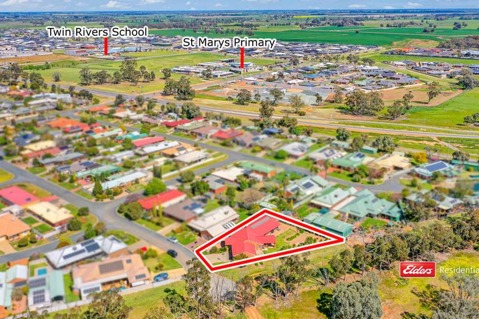 Second view of Homely house listing, 2 Kooyong Court, Echuca VIC 3564