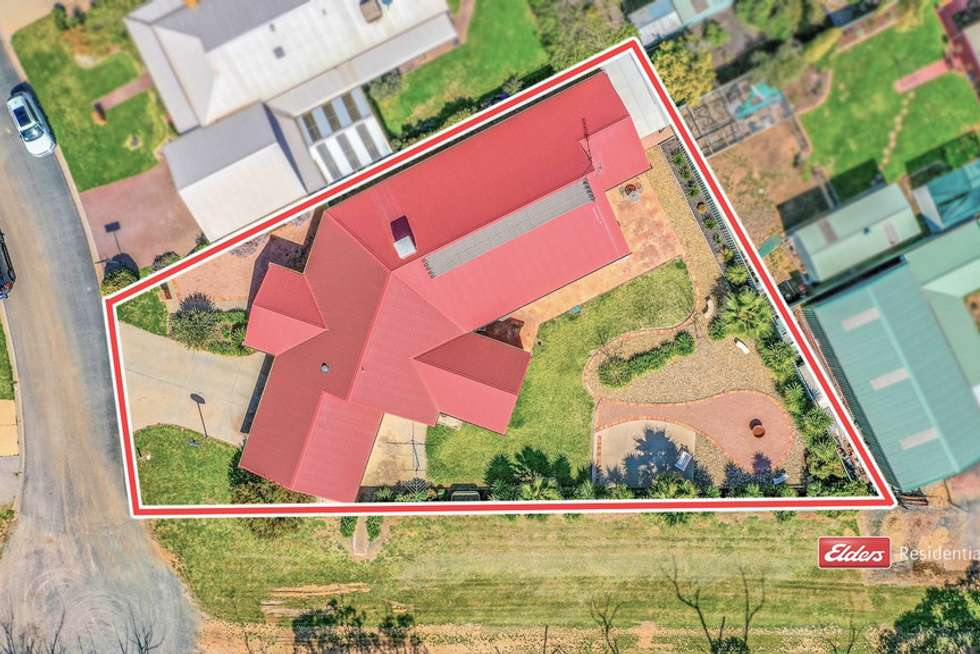 Fourth view of Homely house listing, 2 Kooyong Court, Echuca VIC 3564