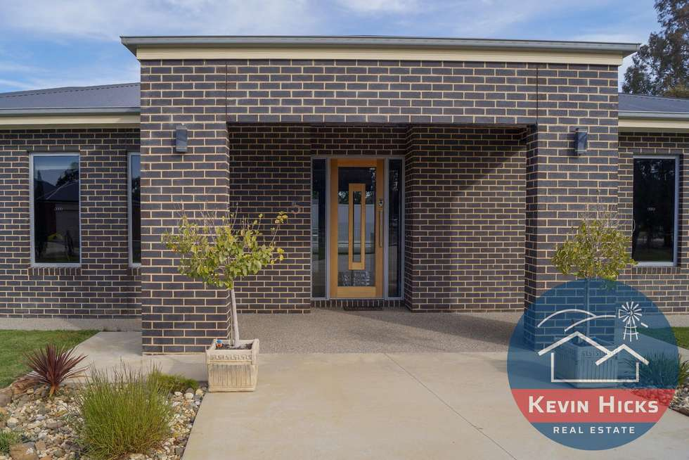 Second view of Homely house listing, 5 Oakland Road, Kialla West VIC 3631