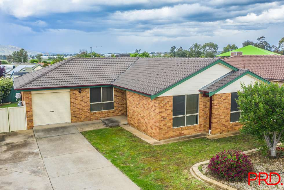 Third view of Homely house listing, 5 Giles Place, Tamworth NSW 2340