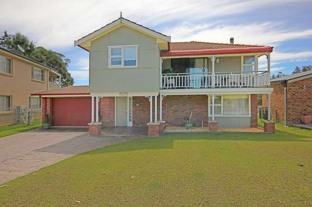 17 Carroll Avenue, Lake Conjola NSW 2539