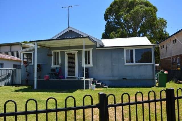 12 Birrabang Avenue, Summerland Point NSW 2259