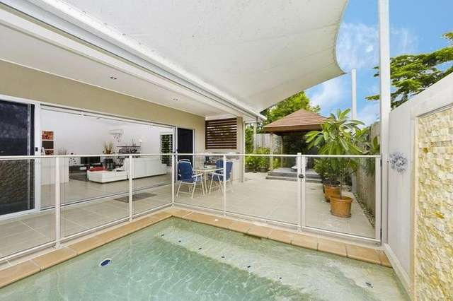 2/60 Harbour Drive