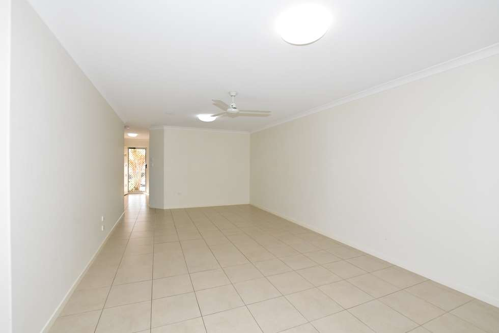 Third view of Homely unit listing, 2/2A Pinnacle Court, Avoca QLD 4670