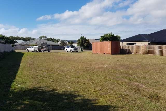 12 Whitehaven Drive, Blacks Beach QLD 4740