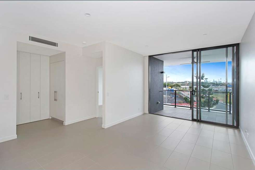 Second view of Homely apartment listing, 5305/331 MacArthur Avenue, Hamilton QLD 4007