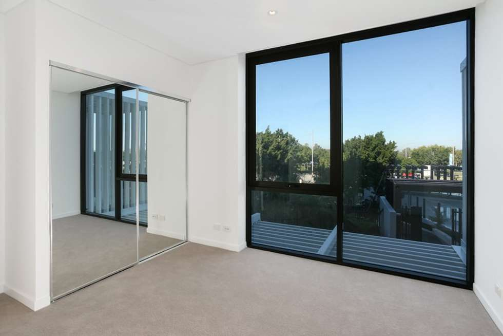 Third view of Homely apartment listing, 0607/320 Macarthur Avenue, Hamilton QLD 4007