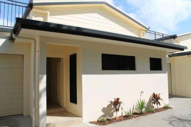 2/56 Murroona Road, Bowen QLD 4805