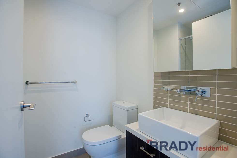 Third view of Homely apartment listing, 1003/8 Sutherland Street, Melbourne VIC 3000