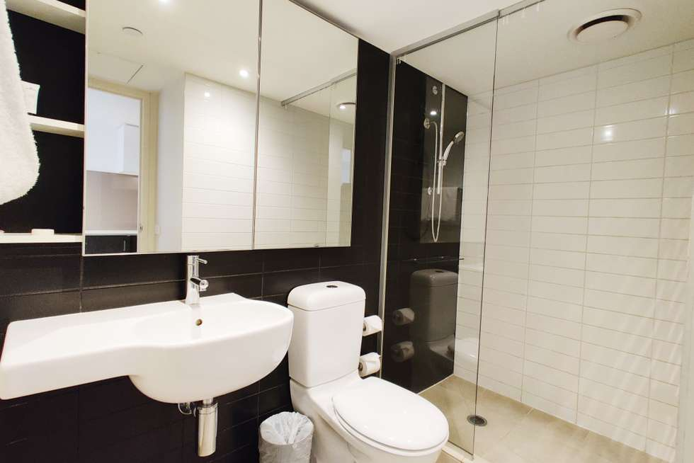 Fifth view of Homely apartment listing, 424/572 St Kilda Road, Melbourne VIC 3004