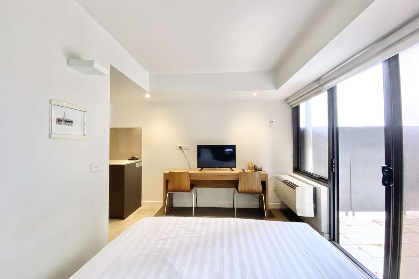 Seventh view of Homely studio listing, 432/572 St Kilda Road, Melbourne VIC 3004