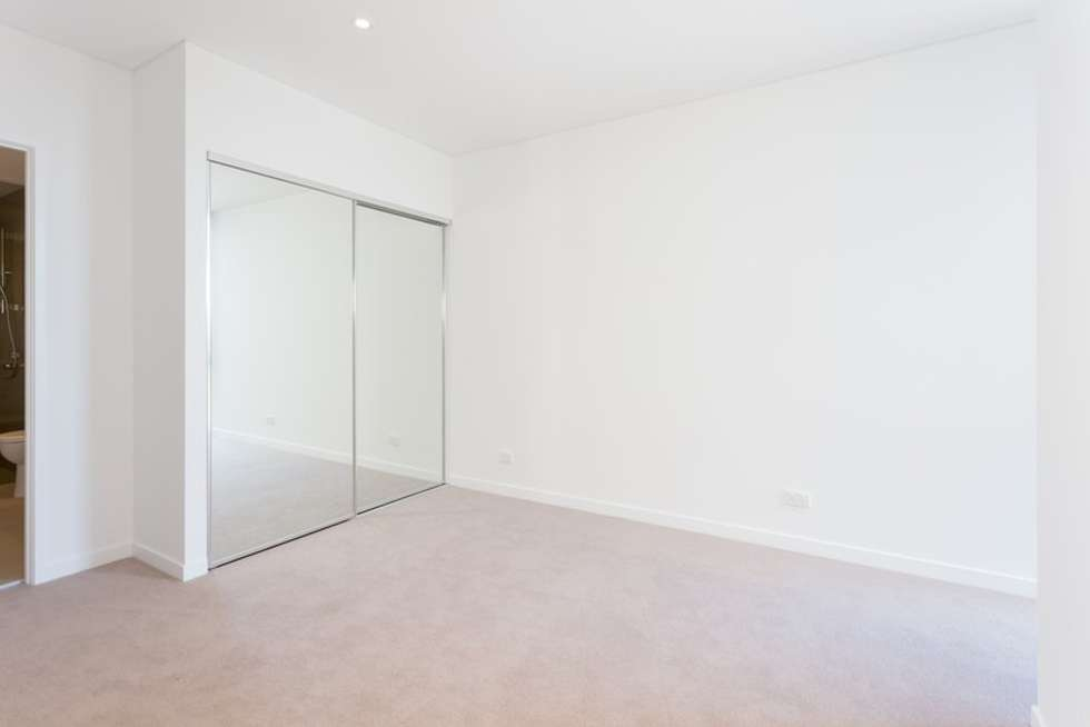 Third view of Homely apartment listing, 10615/320 MacArthur Ave, Hamilton QLD 4007