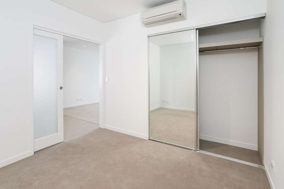 Third view of Homely apartment listing, 10216/320 MacArthur Ave, Hamilton QLD 4007