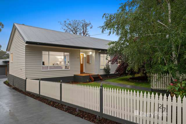 1/27 Macey Street, Croydon South VIC 3136