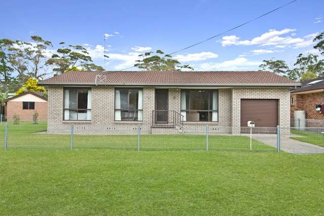 9 Centre Street, Lake Tabourie NSW 2539