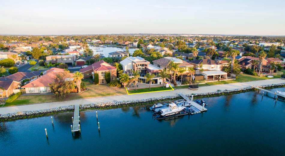 22 Curlew Point Drive
