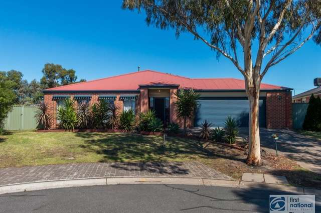 19 Greenock Crescent, Cranbourne East VIC 3977