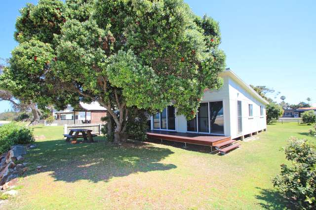 21 Ocean  Road, Brooms Head NSW 2463