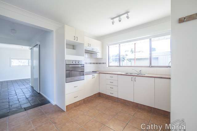 2a Barclay Avenue, Mannering Park NSW 2259