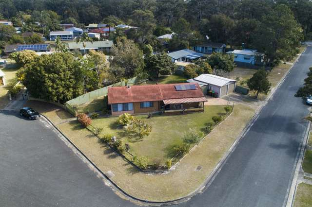 1 Cedar Place, Stuarts Point NSW 2441