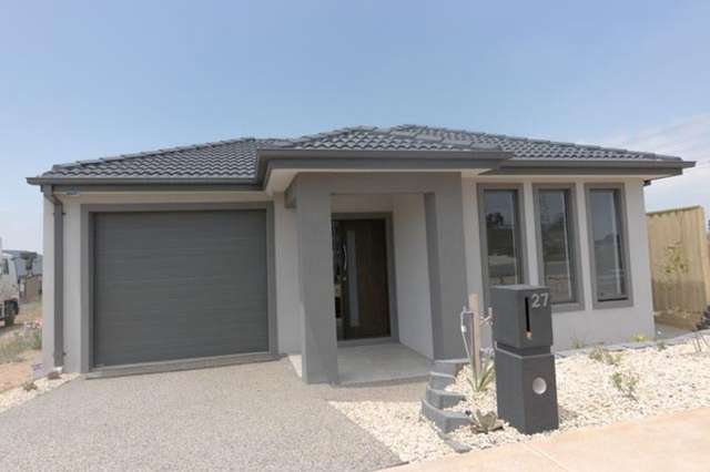 27 Shimar  Street, Clyde North VIC 3978