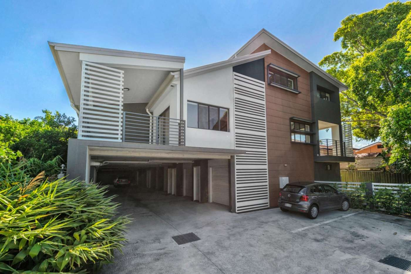 Main view of Homely townhouse listing, 1/255 Cavendish Road, Coorparoo QLD 4151