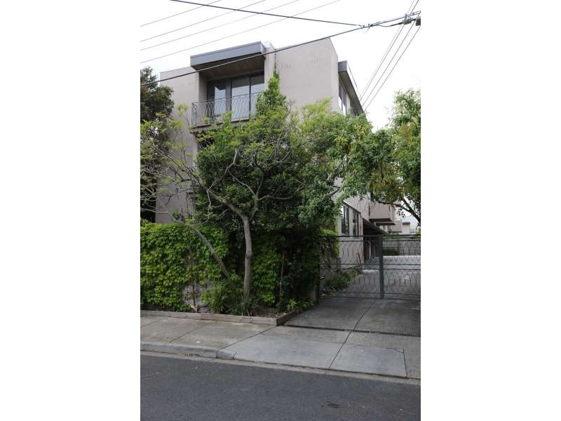 Main view of Homely apartment listing, 4/18 Lewisham Road, Windsor, VIC 3181