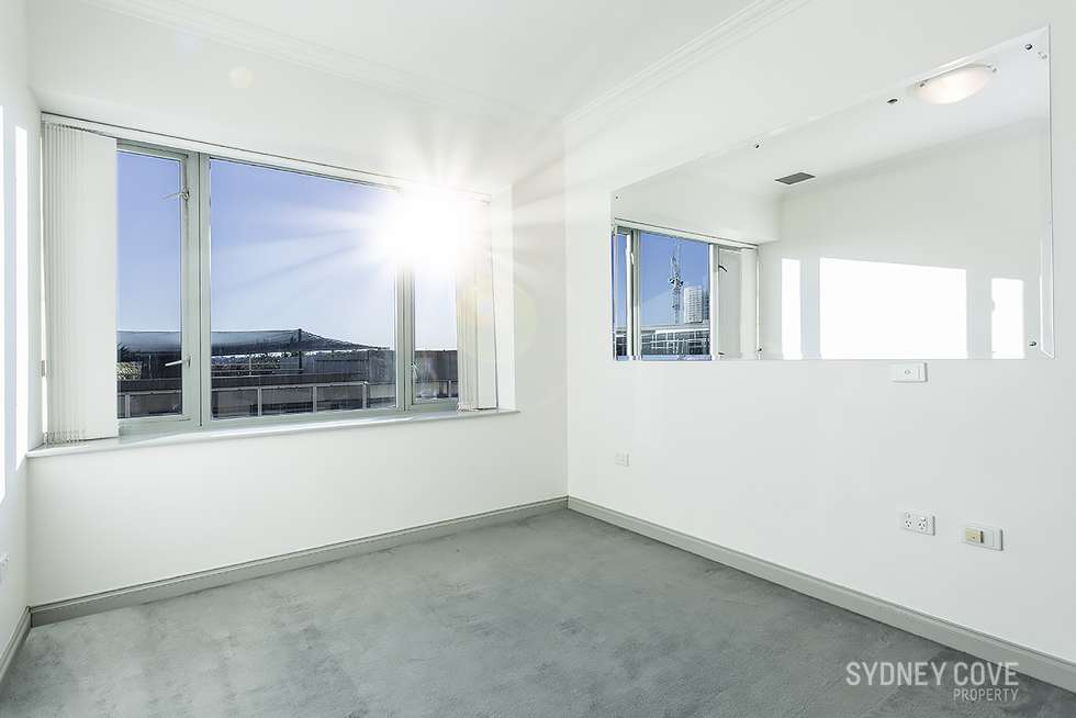 Third view of Homely apartment listing, 127 Kent St, Sydney NSW 2000