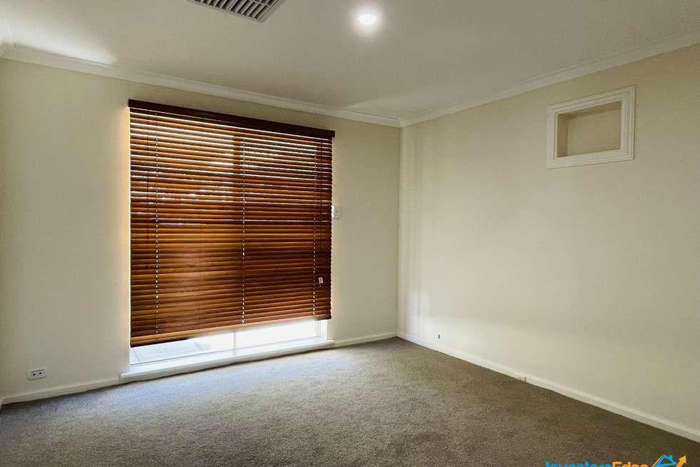 Fourth view of Homely house listing, 5 Meander Way, Maddington WA 6109