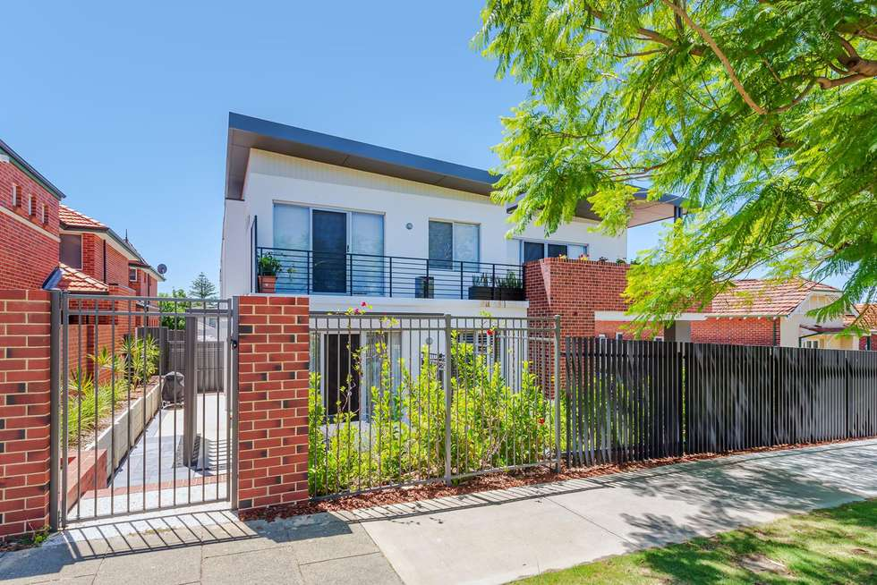 Second view of Homely apartment listing, 1/132 Matlock Street, Mount Hawthorn WA 6016