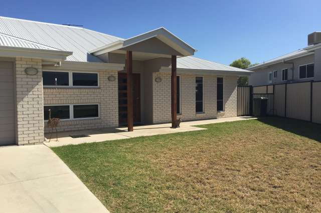 12 Lockyer Crescent, Roma QLD 4455