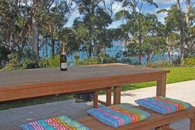 31 Riversdale Road, Mollymook Beach NSW 2539