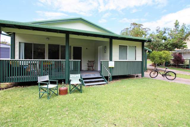 8 Cherry Street, Bendalong NSW 2539