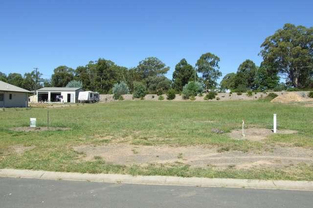 72 Naomi Drive, Crows Nest QLD 4355