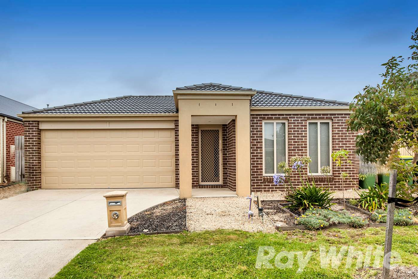 Main view of Homely house listing, 16 Currawong Crescent, Pakenham, VIC 3810