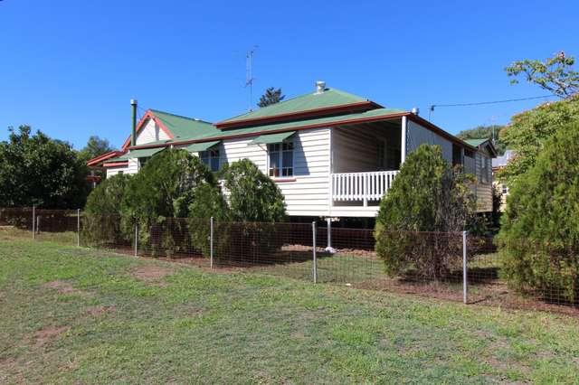 6 Park Road, Crows Nest QLD 4355