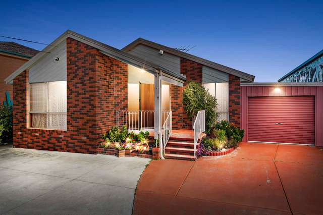 4 Sandalwood Drive, Oakleigh South VIC 3167