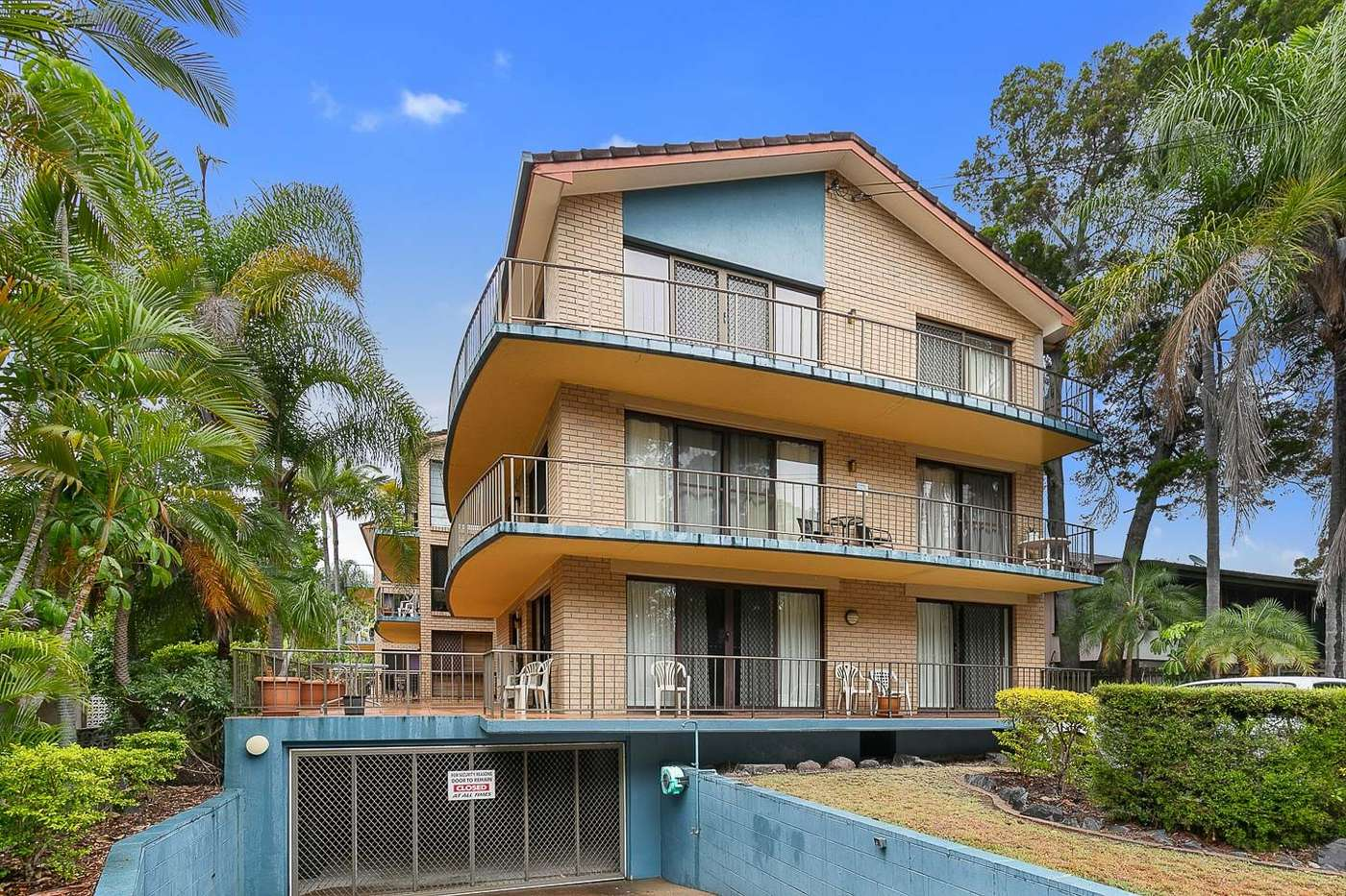 Main view of Homely unit listing, 2/394 Esplanade, Torquay, QLD 4655