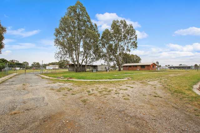 8-16 Gibson Place, Howlong NSW 2643