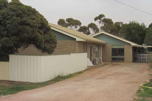 Unit 1 & 2, 31 Progress Street, Yanco NSW 2703