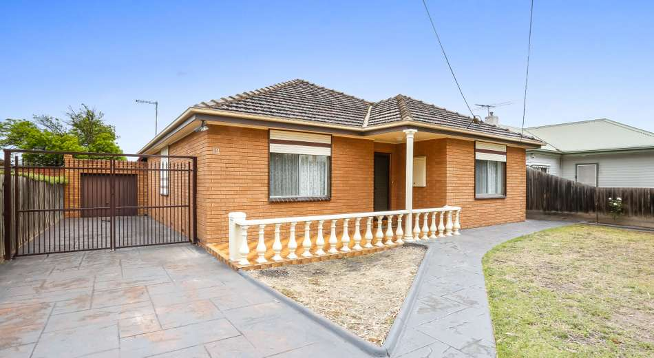 19 First Avenue, Strathmore VIC 3041