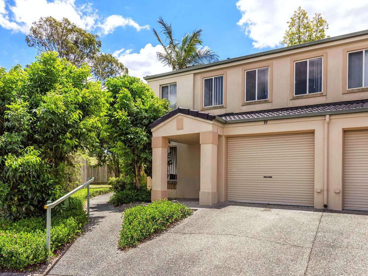 Main view of Homely townhouse listing, 19/10 Chapman Place, Oxley, QLD 4075