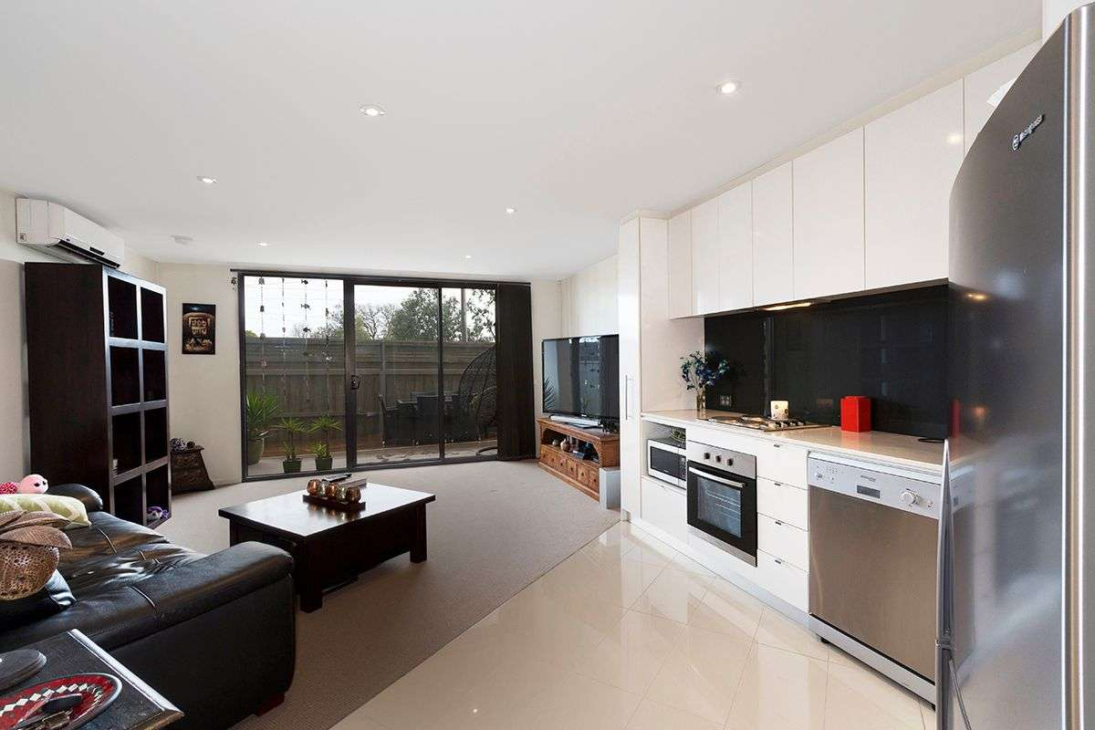 Main view of Homely apartment listing, 5/2-4 William Street, Murrumbeena, VIC 3163