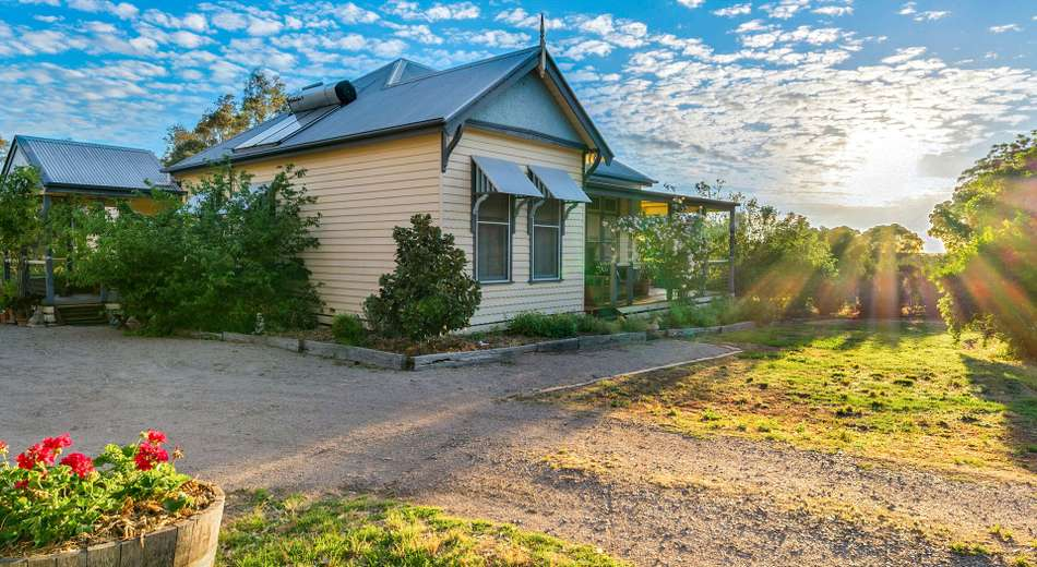 221 Old Hume Highway