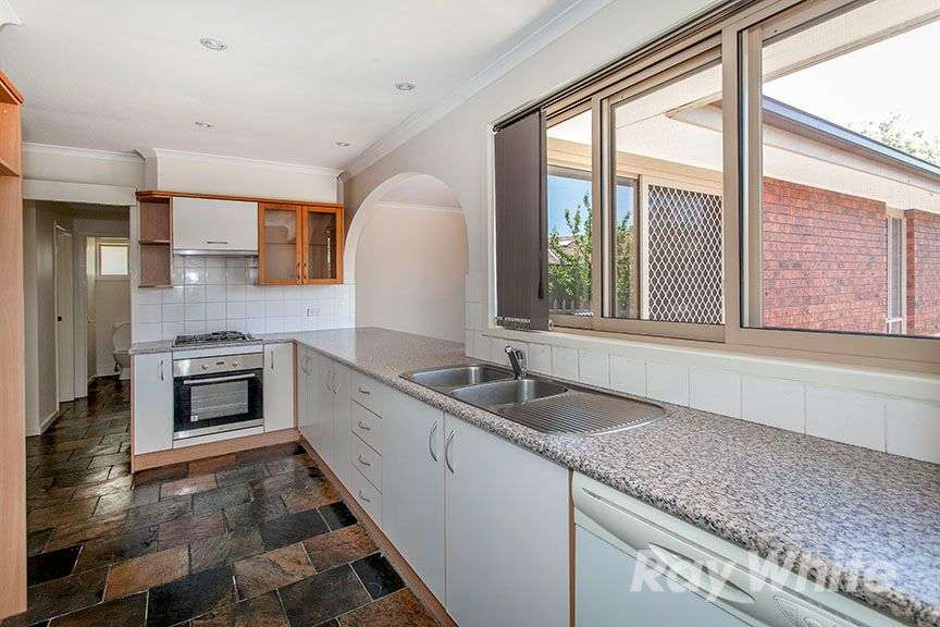 Main view of Homely house listing, 2 Cairn Grove, Glen Waverley, VIC 3150
