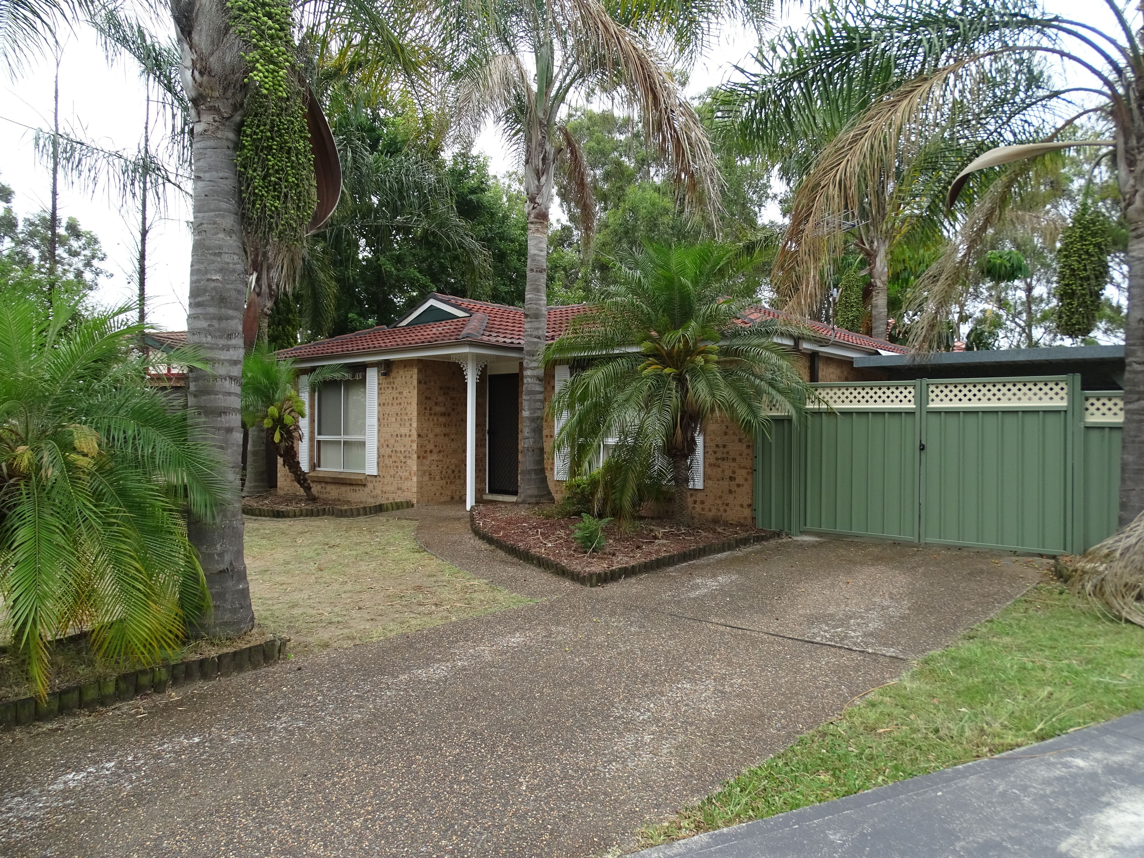 52 Harradine Crescent