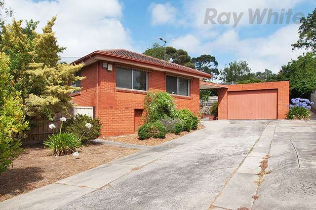9 Long View Road, Croydon South VIC 3136