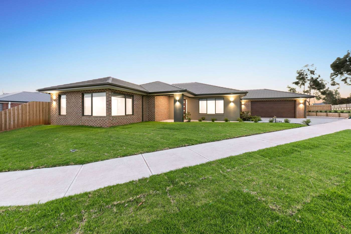 Main view of Homely house listing, 2 Saxon Road, Drouin, VIC 3818