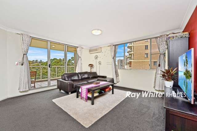 303/10 Wentworth Drive